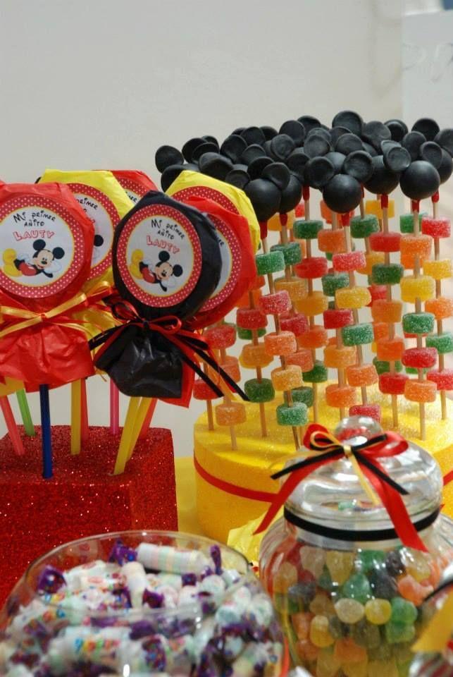 26 ideas muy faciles para armar tu mesa dulce de mickey for Decoracion mesa dulce