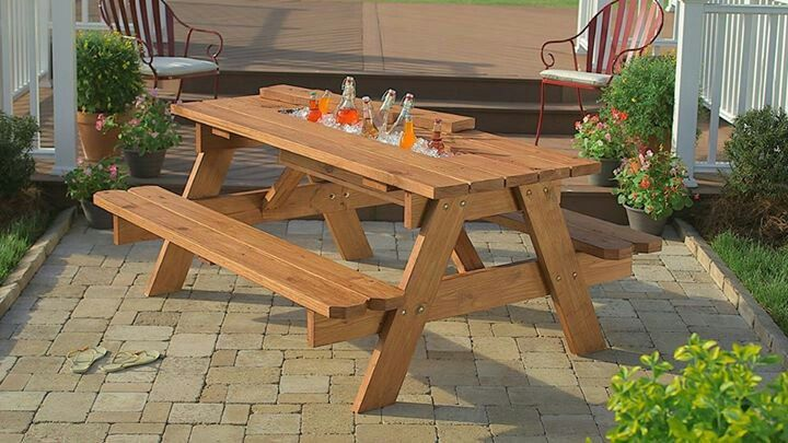Cool picnic table with built in in cooler