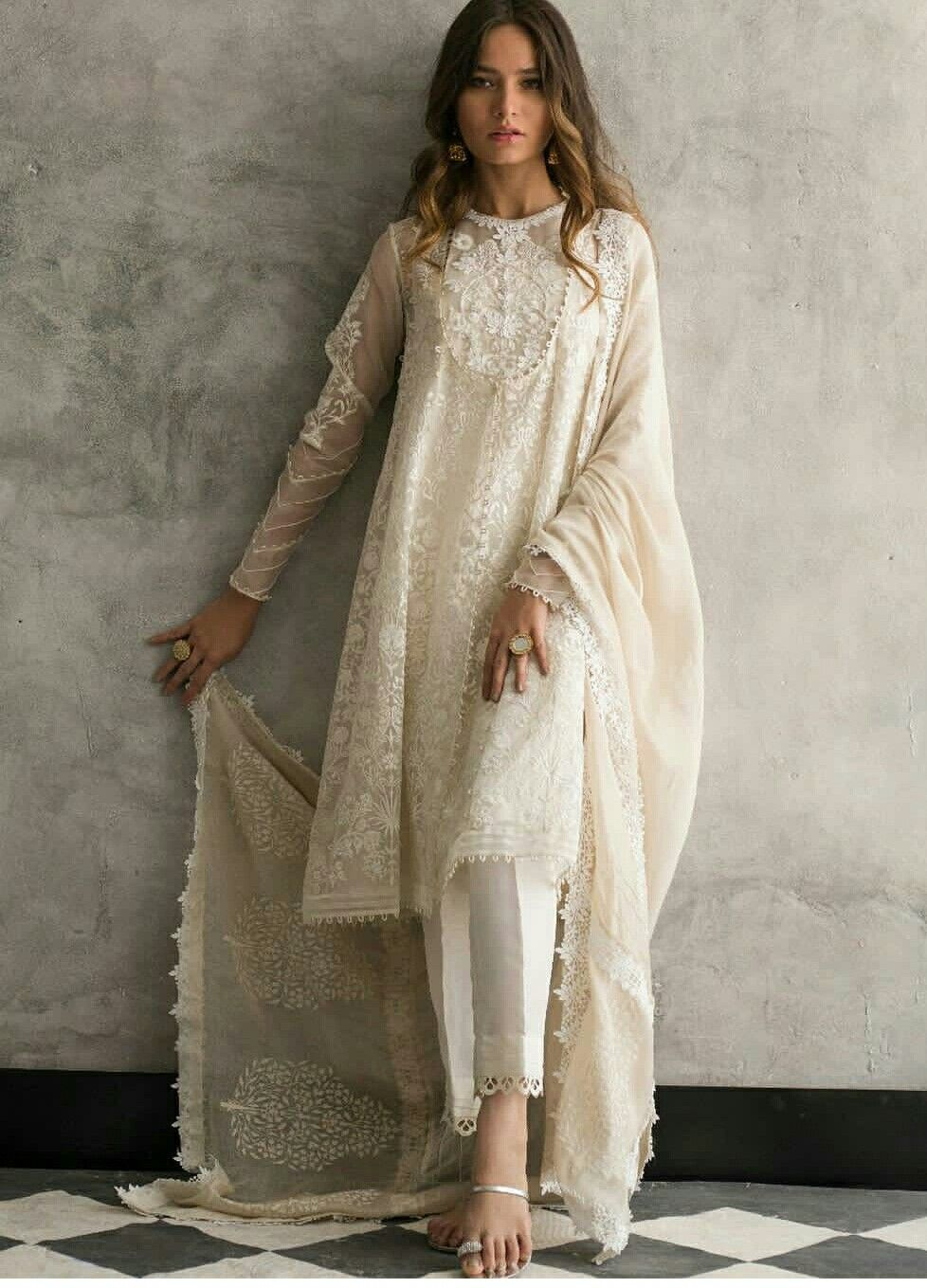 e861bb48f3 Wow... amazing | white dresses in 2019 | Fashion, Indian dresses ...