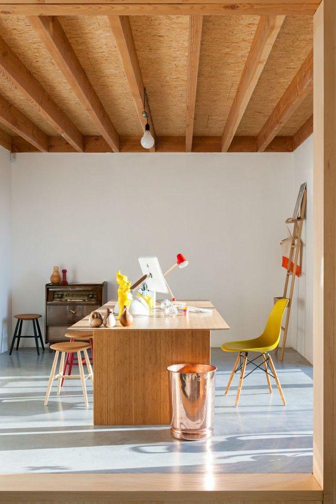 Une Maison Contemporaine Et Familiale Par Les Architectes De Blaf En 2020 Maison Contemporaine Architecture D Interieur Design D Interieur Retro