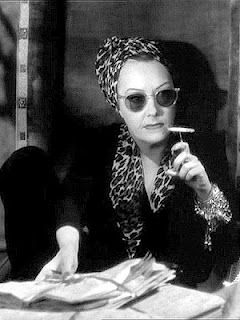 Bespectacled Birthdays: Gloria Swanson (from Sunset Boulevard), c.1950 |  Movie stars, Classic hollywood, Hollywood