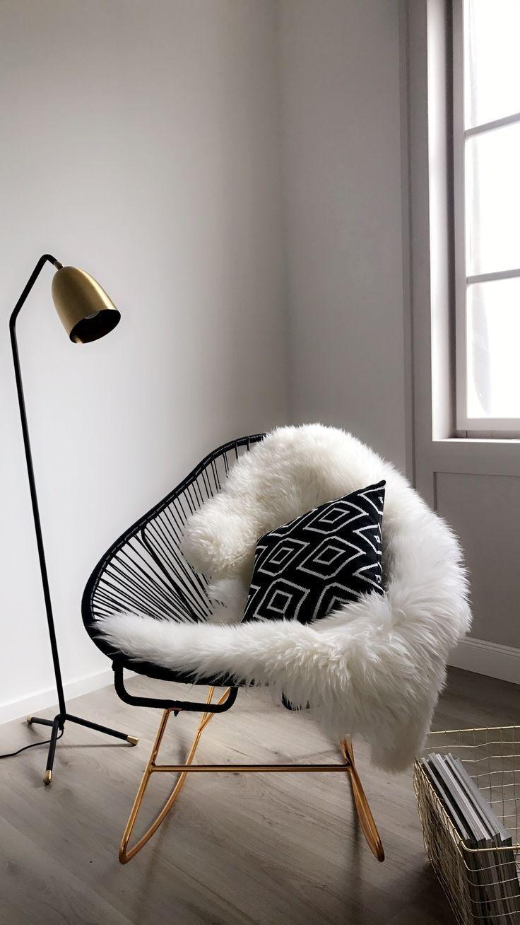 Rocking chair moderne Grace en noir en 17  Chaise acapulco