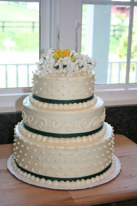 how to decorate wedding cake buttercream wedding cake wedding ideas 4918