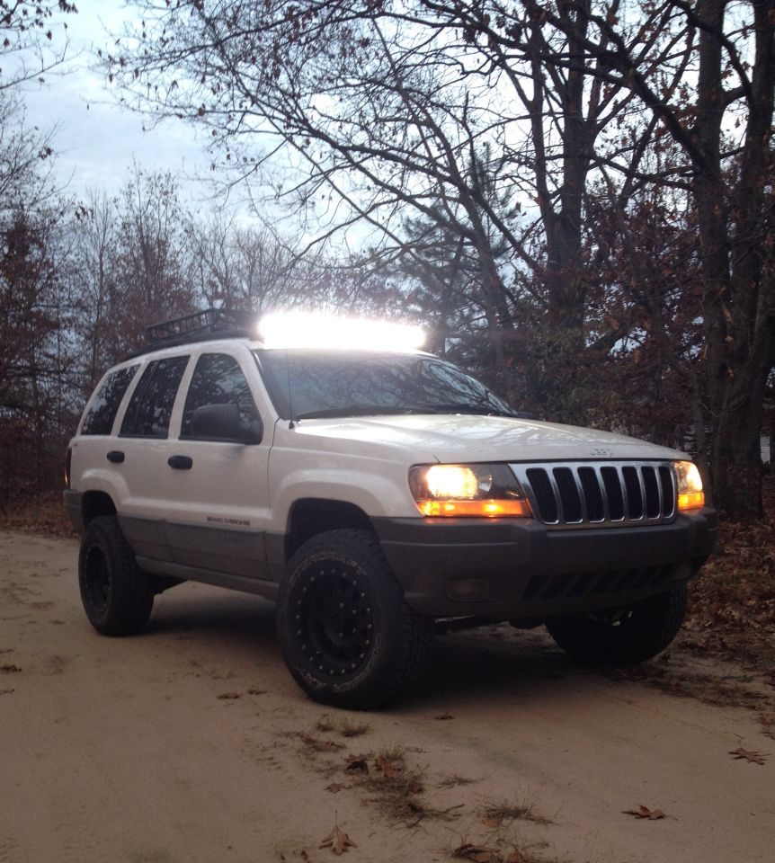 """Jeep Roof Hoist: Jeep Grand Cherokee. 2 Inch Lift With 40"""" Led Light Bar"""