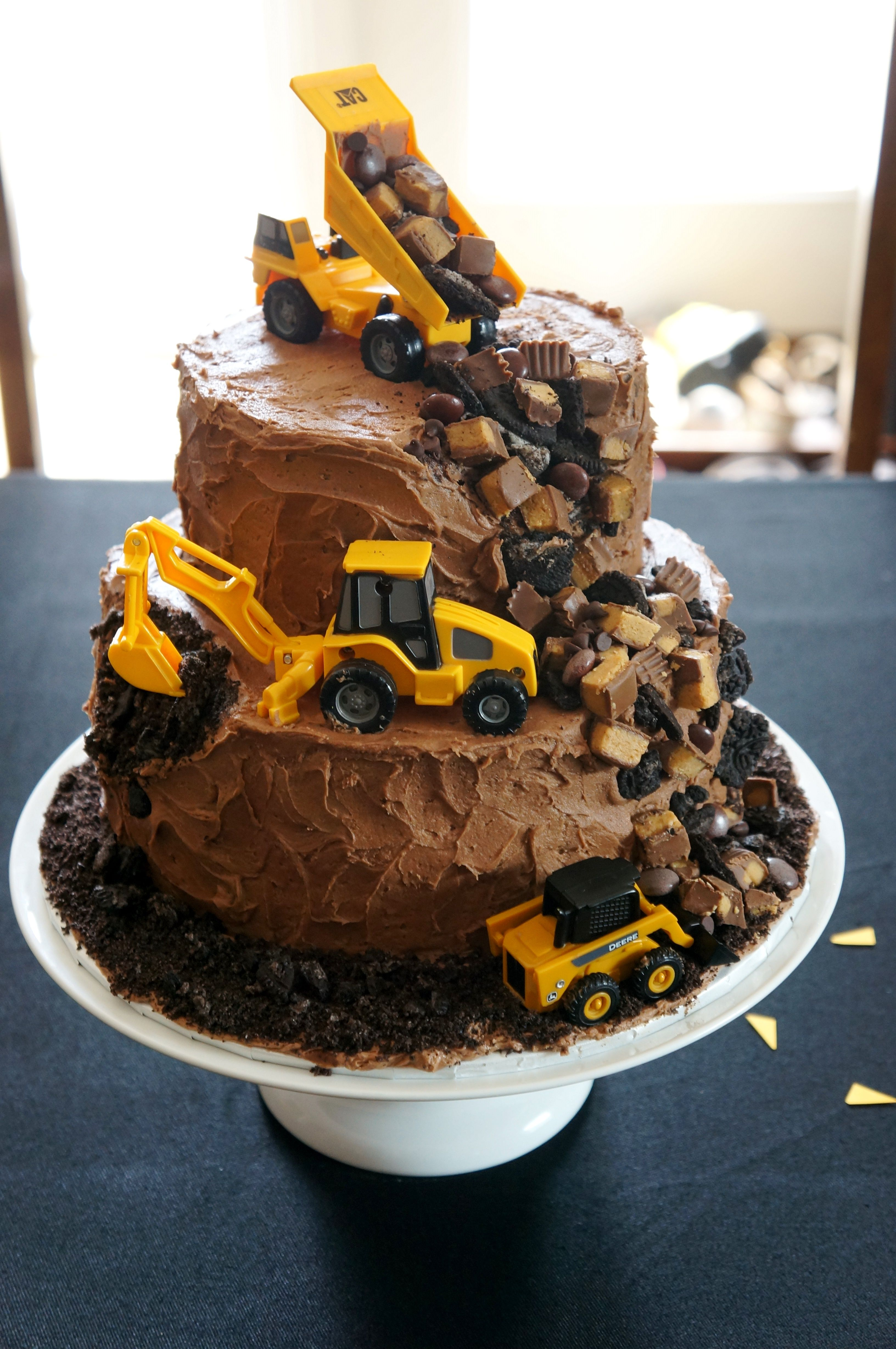 Construction cake via The Welch Cupcakery | Beautiful ...