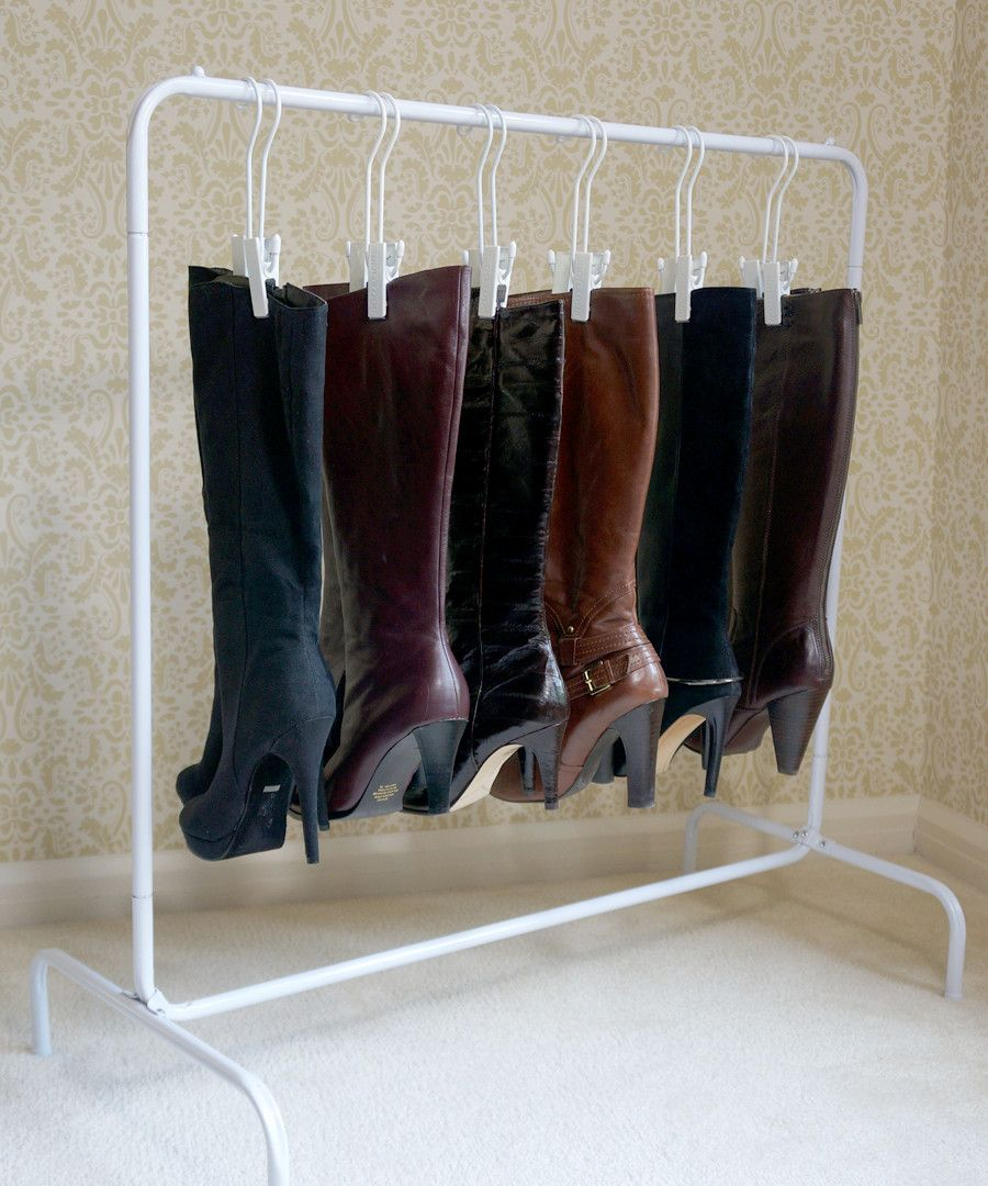 The boot rack includes boot hangers vestidor organizador de