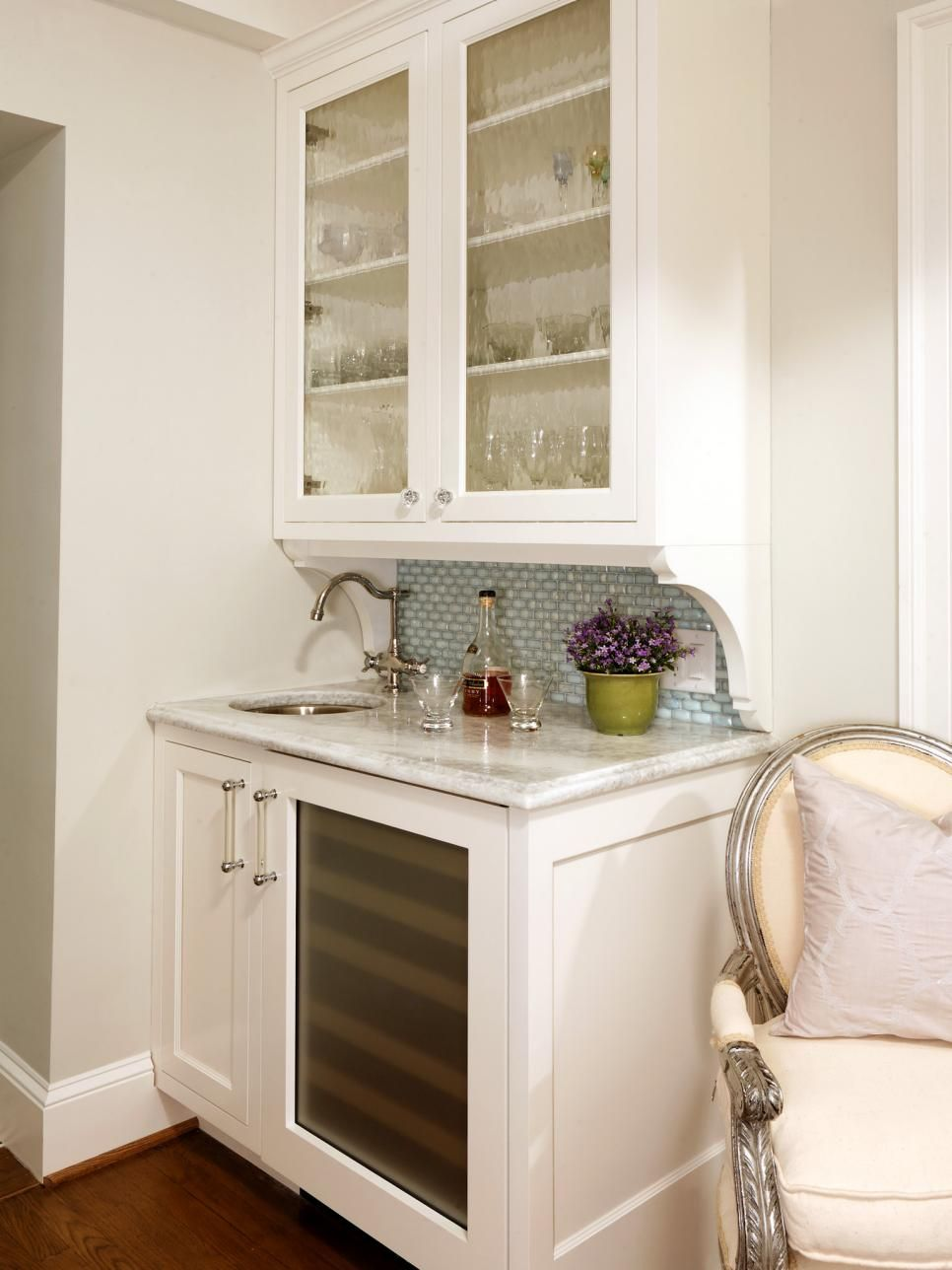 Even The Tiniest Wet Bar Will Be A Boon For Entertaining If You Choose Right