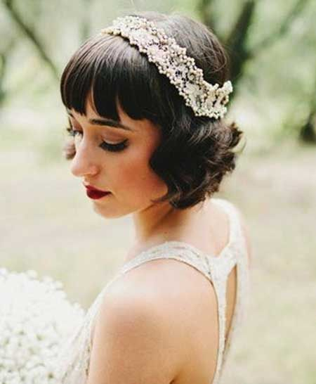 25 Wedding Hairstyles For Short Hair In 2020 Short Wedding Hair Short Bridal Hair Short Hair Styles