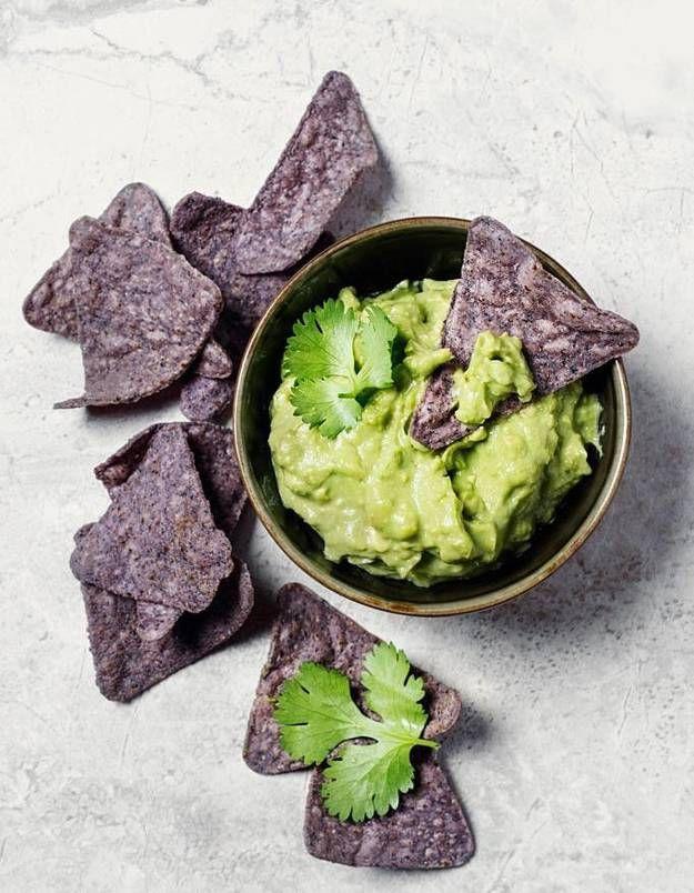 faire du guacamole comment faire du guacamole elle table recettes pour l 39 ap ritif. Black Bedroom Furniture Sets. Home Design Ideas
