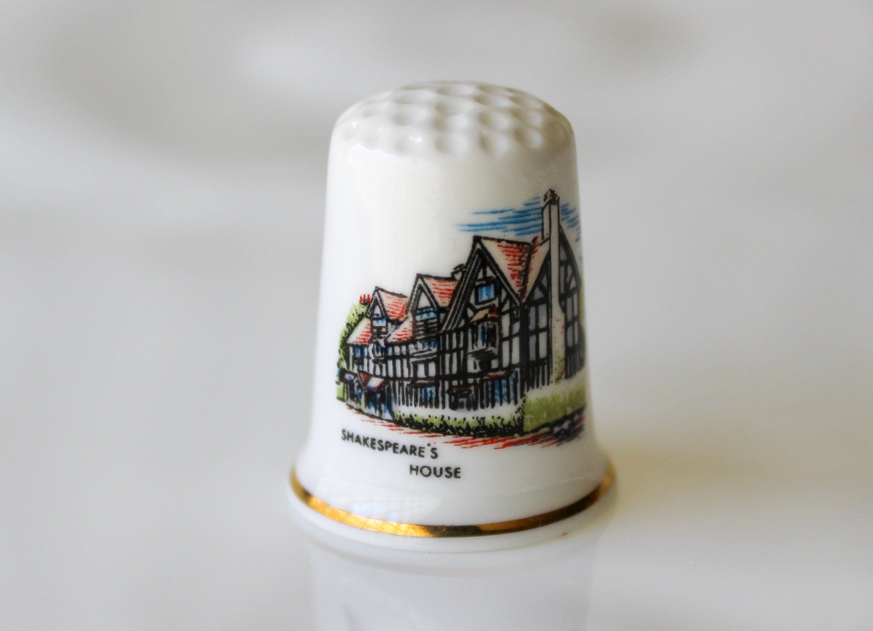 Shops Miniature House Thimbles Set of Three Porcelain China Collectable