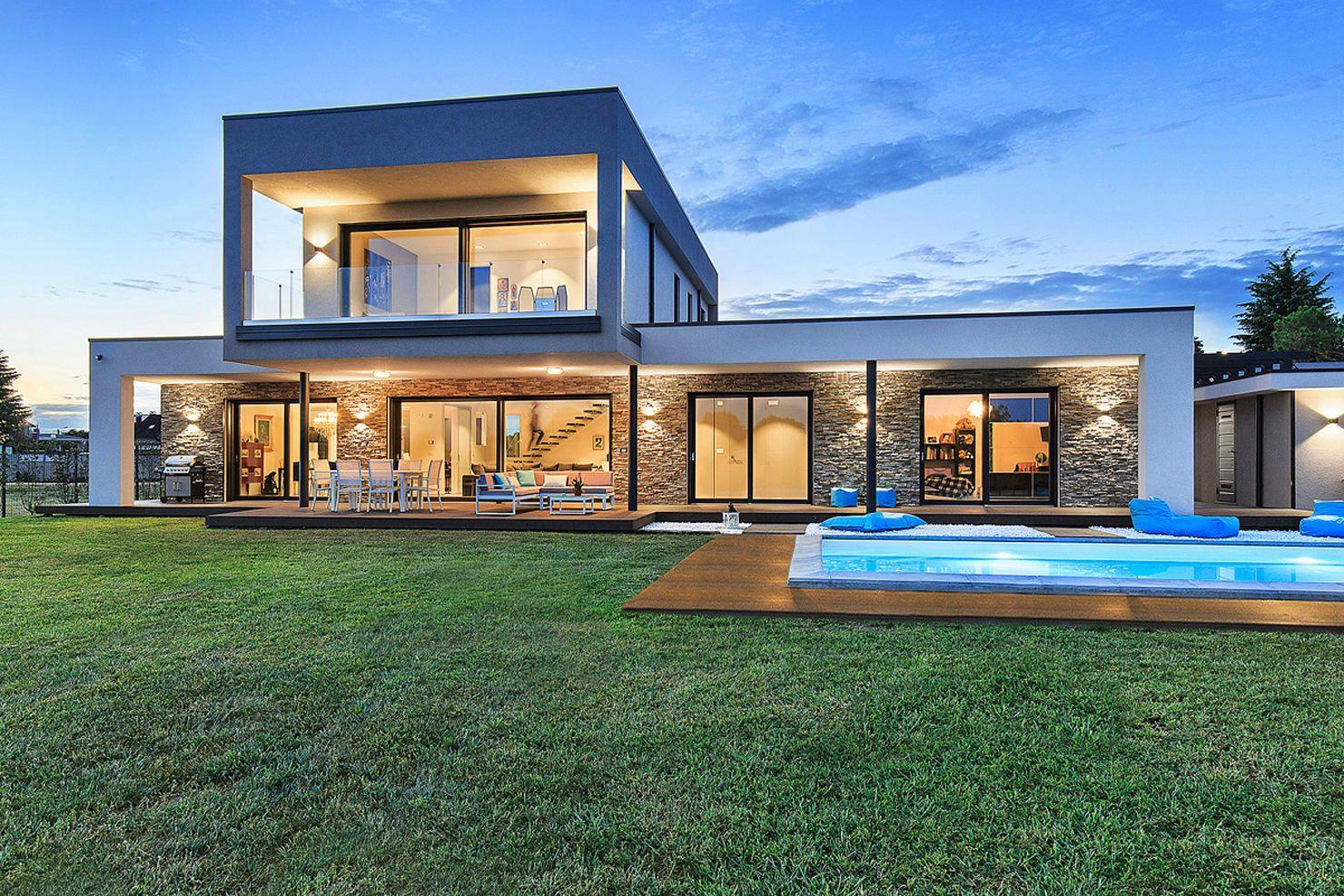 Heute zeigen wir euch eine luxuri se villa die mit ihrem for Architettura ville moderne
