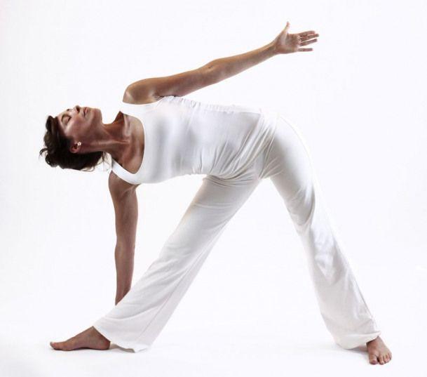trikonasana triangle ouverture bassin yoga&vedas #yoga #yoga #fitness