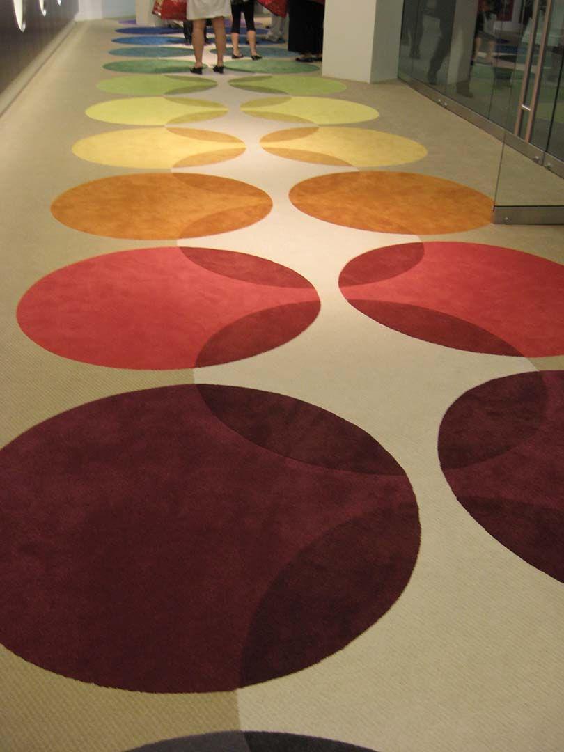Love this colorful carpet!