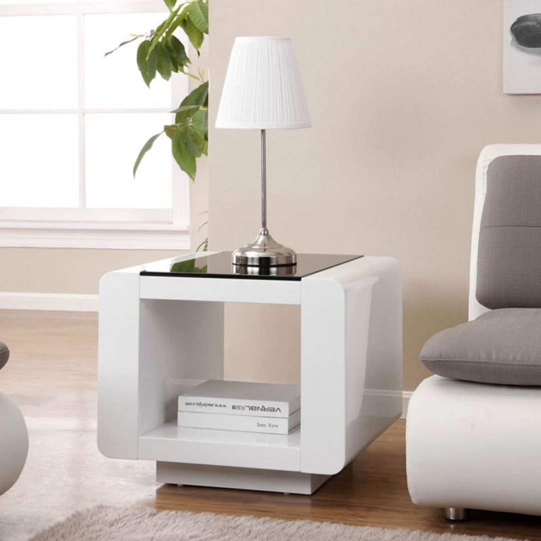 Amazing Living Room Side Table Design Ideas To Complement Your Decoration In 2020 White Side Table Living Room Living Room Side Table Modern Side Table #side #table #decor #ideas #living #room
