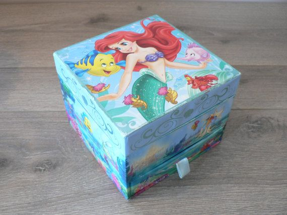 Vintage Disneys Little Mermaid Musical Jewelry Box Light Baby