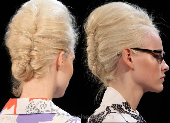 Hairstyle Trends S/S 2012: Buns & marie Antoinette moden do