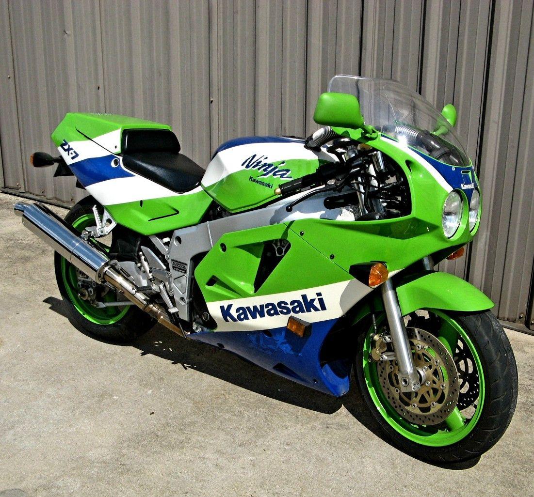 1990 Kawasaki ZX-7R Retro Motorcycle, Sportbikes, Bike Parts, Kawasaki  Motorcycles,