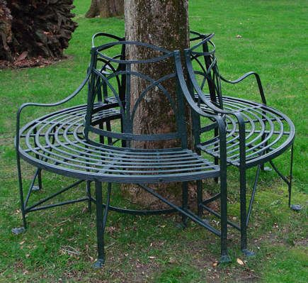 Antique And Contemporary, A Round Tree Bench Is A Romantic Way To Provide  Seating All Around A Sheltering Tree.