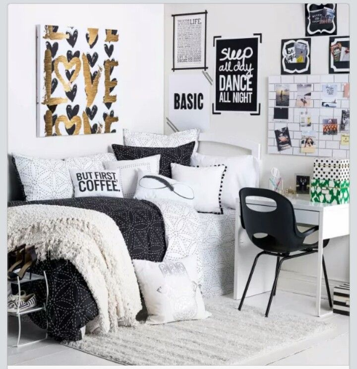 Black And White Themed Room College Apartment Decor Apartment