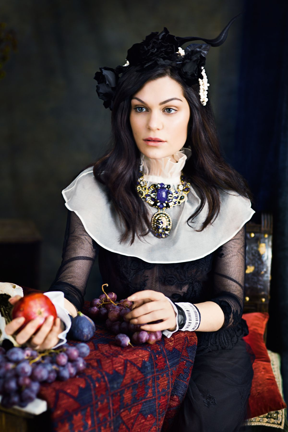 Jessie J for the December issue of InStyle magazine (2014)