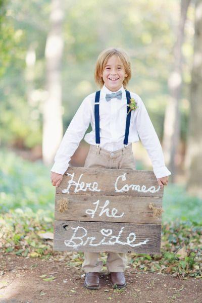 Absolutely adorable! http://www.stylemepretty.com/2015/03/30/secret-garden-inspired-alabama-wedding/   Photography: Simply Bloom - http://www.simplybloomphotography.com/