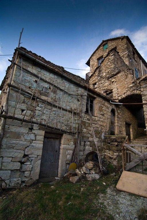 Aia - Dai cereali al turismo di nicchia - Paesi Fantasma