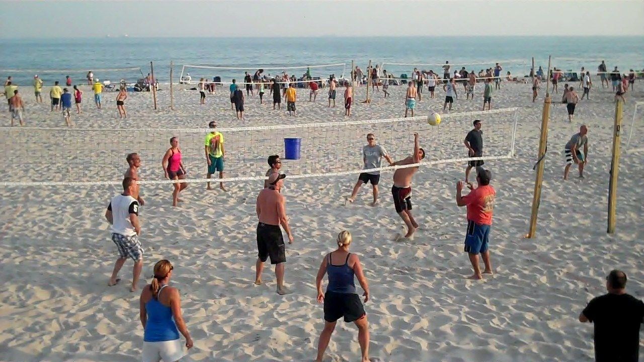 Thursday Night Volleyball In Long Beach Ny Night Volleyball Places To Go Beach