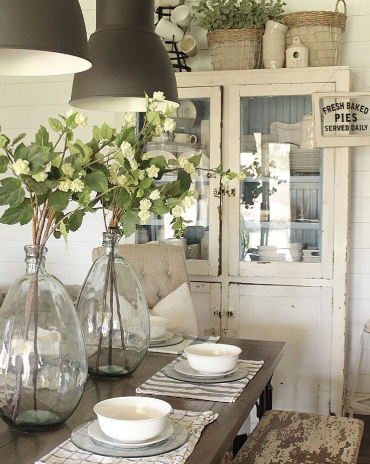 Country white Farmhouse table decor, Dining room table