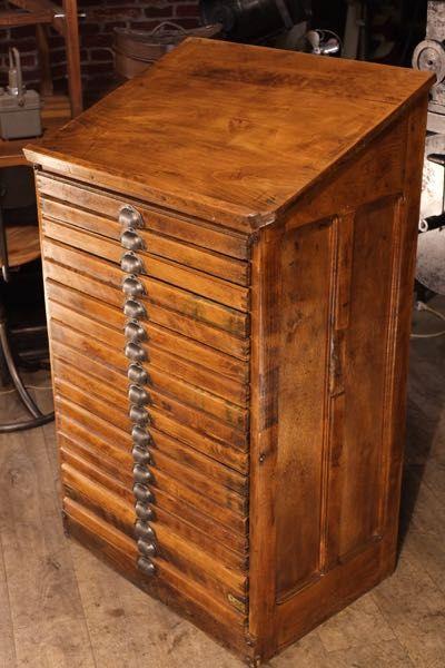 Meuble De Metier Ancien Imprimeur Meuble De Metier Rangement Couteau Meuble Rangement