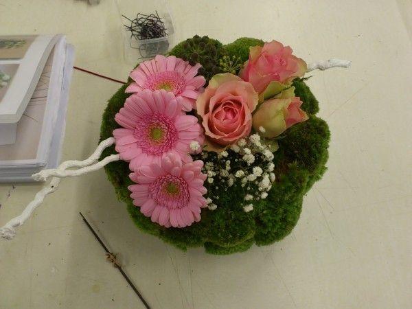 composition florale ronde tendre et rose bouquet centre de table et compo composition. Black Bedroom Furniture Sets. Home Design Ideas