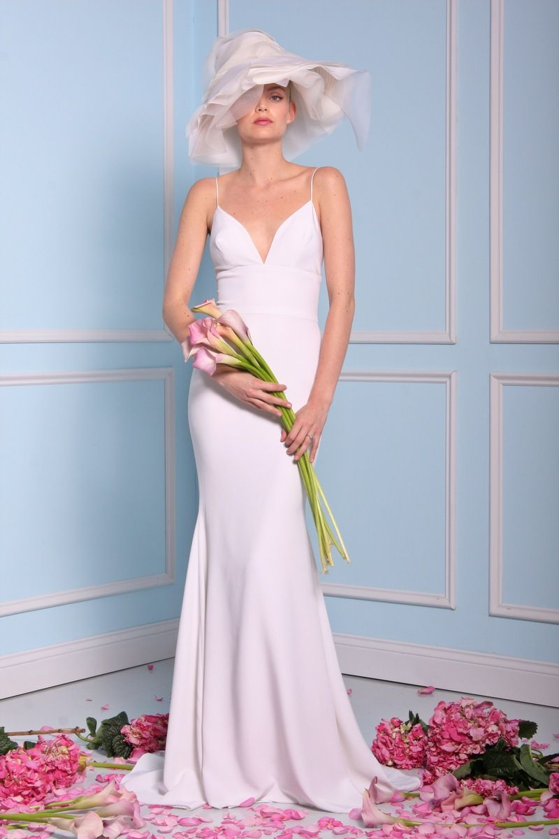 Perfect for beach wedding - Christian Siriano wedding dresses 2016 | fabmood.com