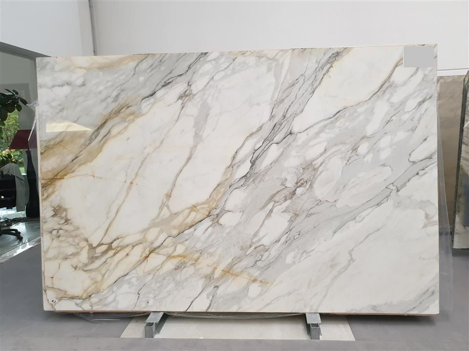 Calacatta Borghini Marble In 2020 Calacatta Gold Marble Marble Fireplace Surround Marble Top Dining Table