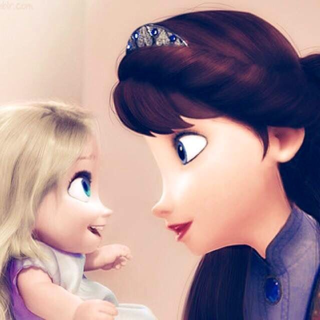 Elsa and  her mom ❤