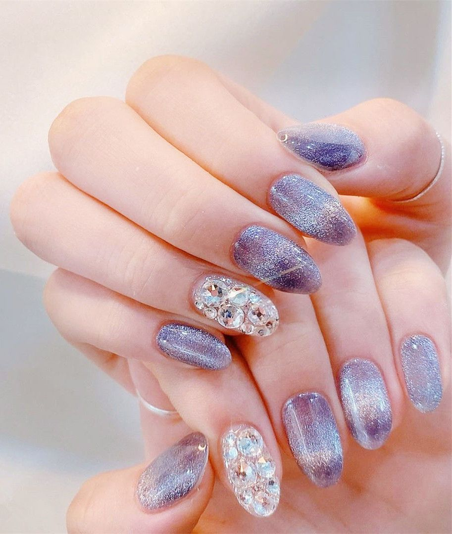 CUTE CHRISTMAS NAILS | Colored acrylic nails, Acrylic nail