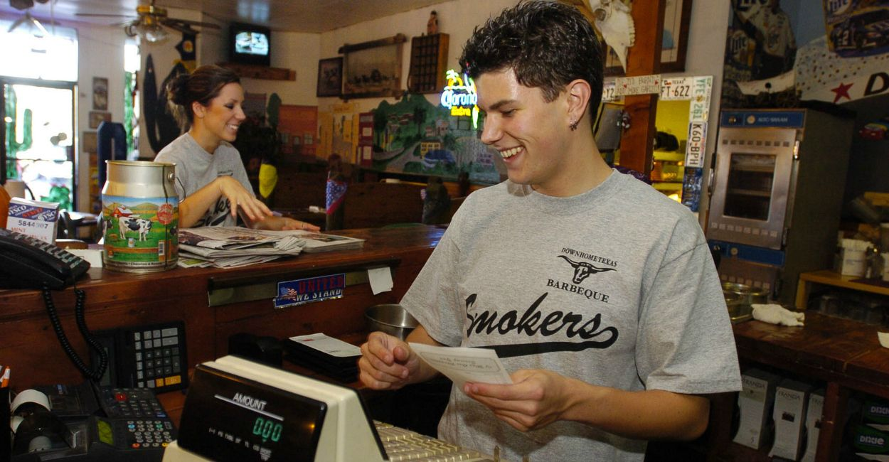 In the Obama Economy, a Decline in Teen Workers