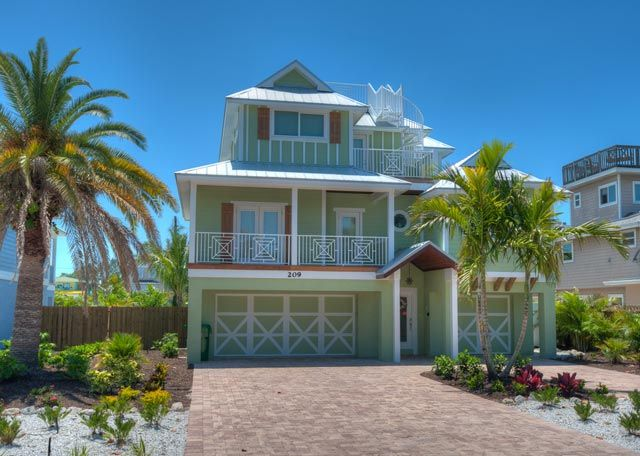 Surf View In Anna Maria Island Love Love But A Little Out Of Our Price Range 7400 Wou Beach Cottage Exterior Island Vacation Rentals Beach Vacation Rentals