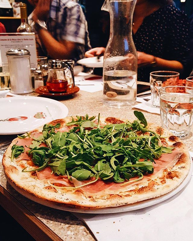 Best Montreal Restaurants That Serve Authentic Italian Pizza 2016