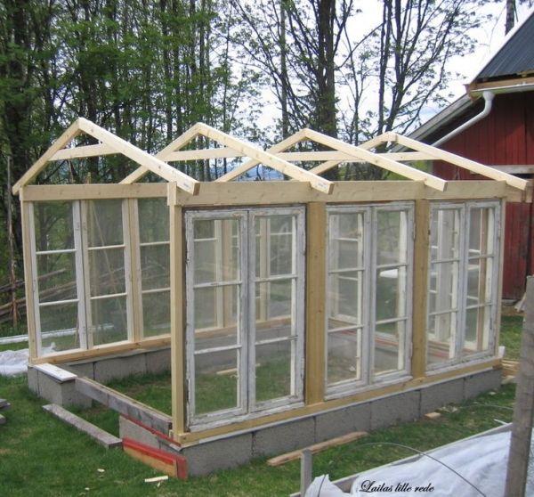 Grosses Gewachshaus Aus Alten Fenstern Gartengestaltung Garten