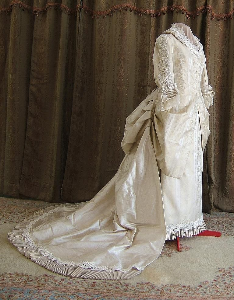 Late 1870s victorian wedding gown historical costume for Victorian era wedding dresses