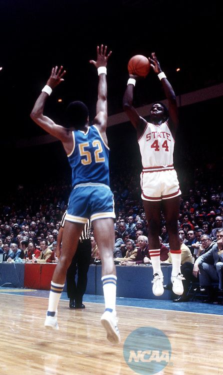Jamaal Wilkes - UCLA vs. David Thompson - NC State  09a996f6d