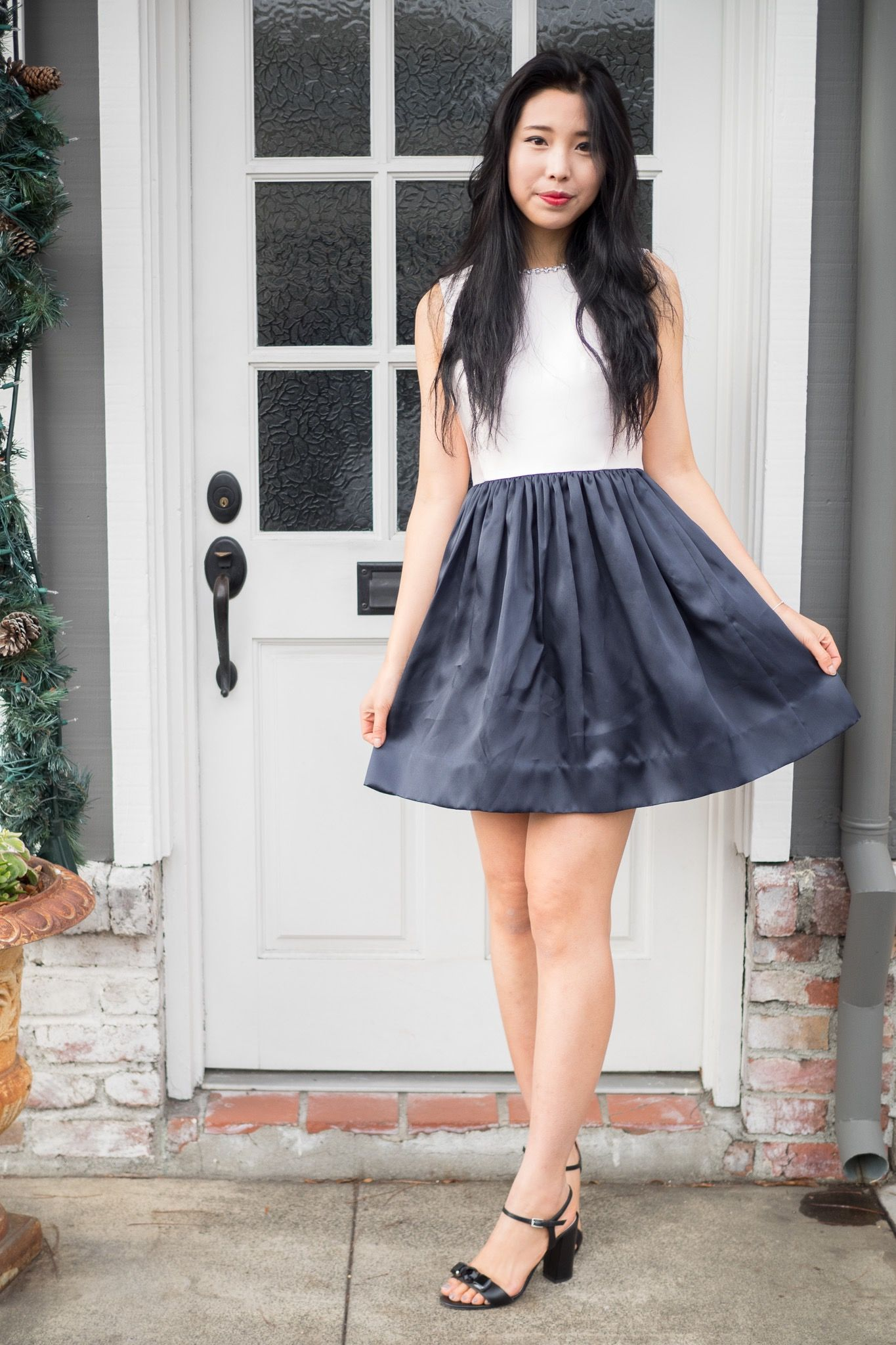 Gomezs Selena formal and casual style