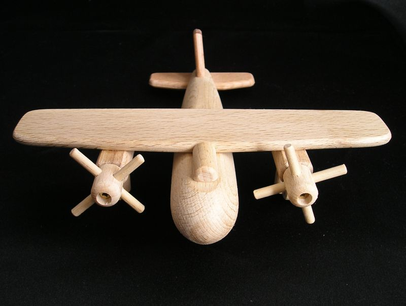 Drevené lietadlo - bombardér B17