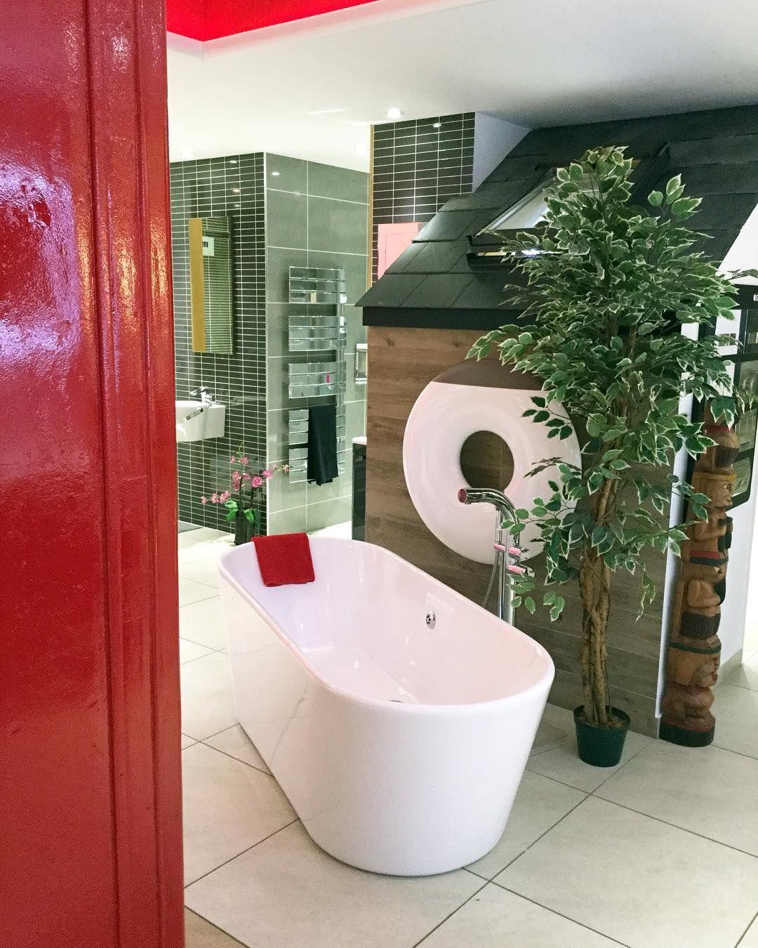 Bathroomdesign PBGstyle Phonebox Telephone Call Red British - Reno bathroom showroom
