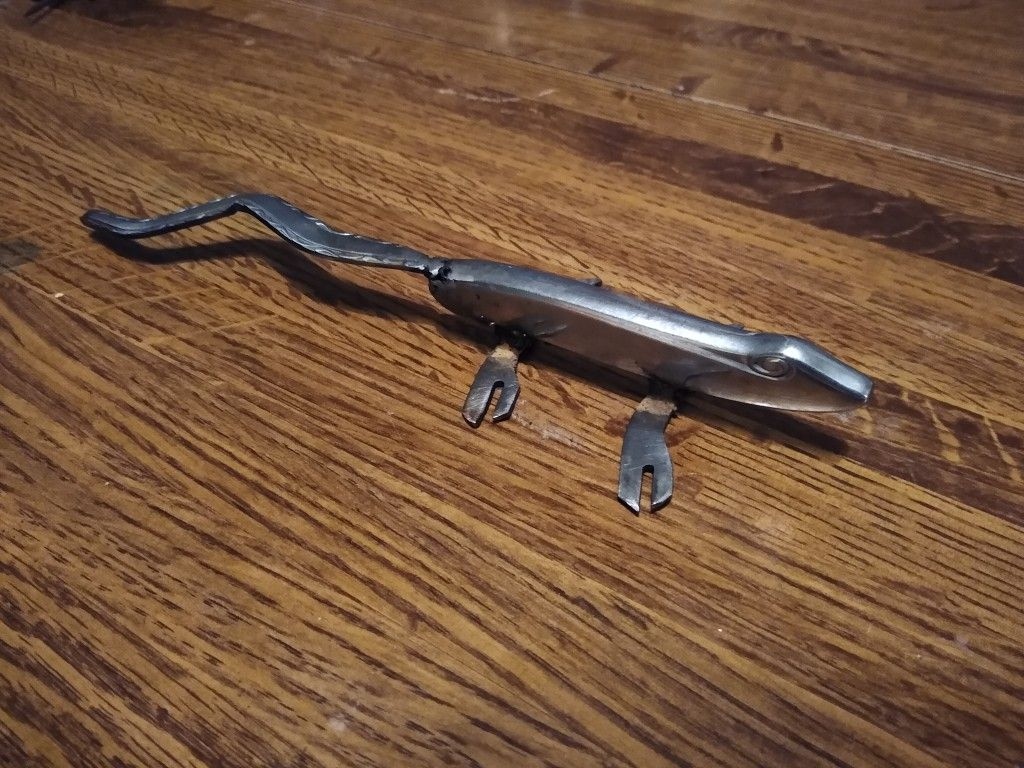 Lizard in 2020 Lizard, Pocket knife, Projects to try