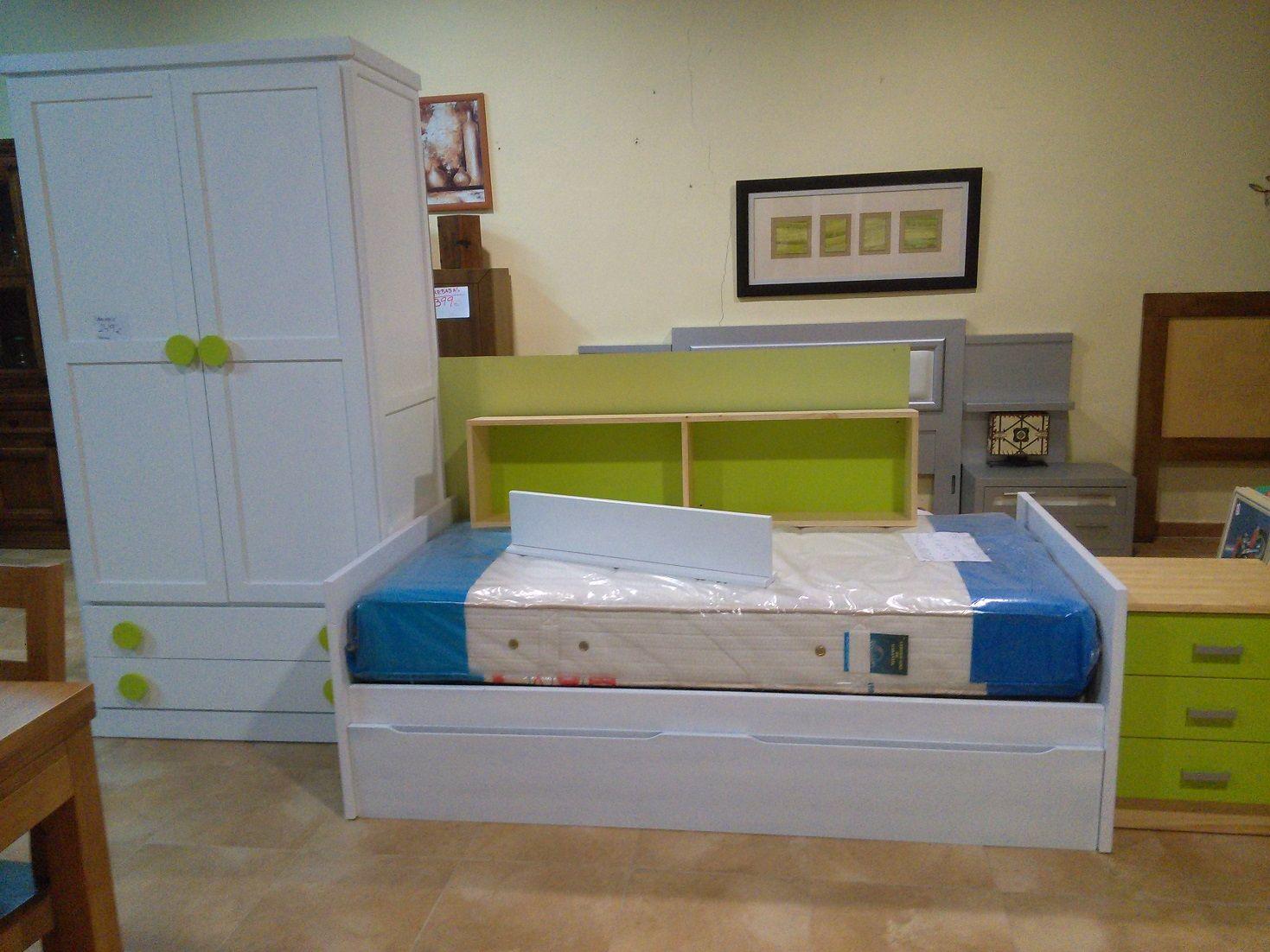 Ofertas de muebles de exposición; armario ropero de dos puertas y ...