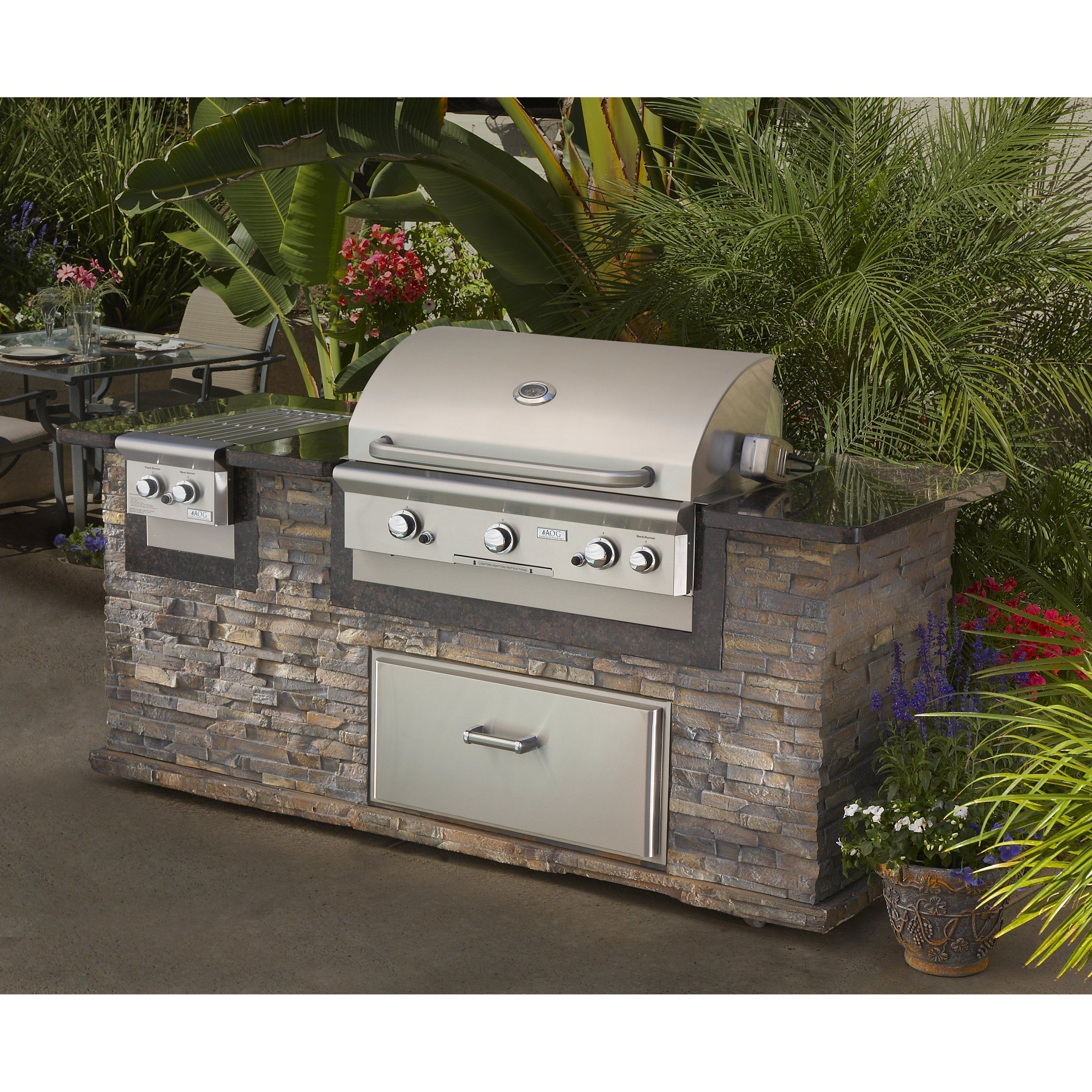 Backyard grill design idea. Outdoor kitchen island