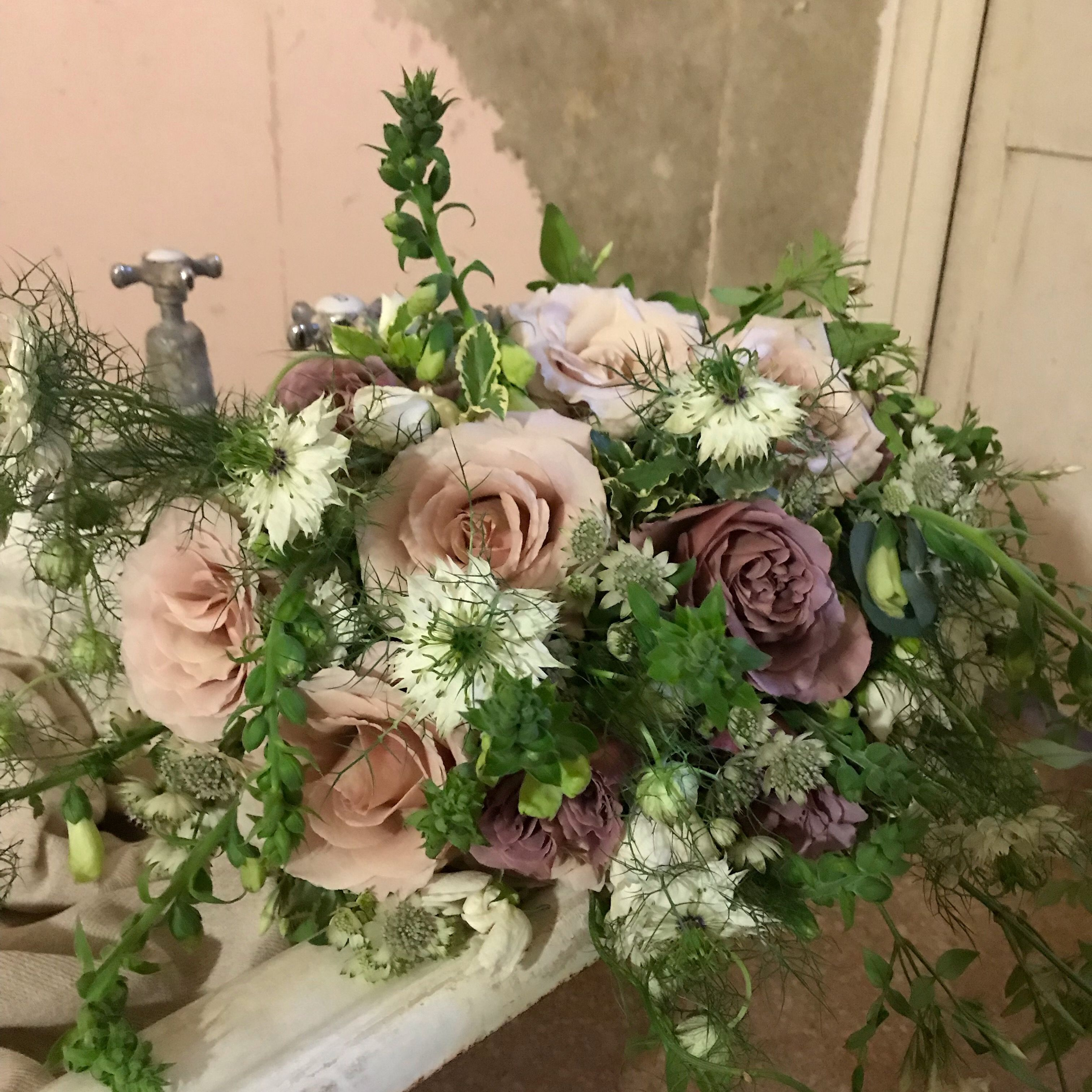 A Romantic Summer Wedding Country Garden Bouquet In Shades Of Pink Green And White Country Gardening Beautiful Flower Arrangements Flower Arrangements