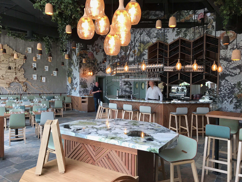 CEPAGES – Elodie Tornare Intérieurs Bar à vin et restaurant à ...