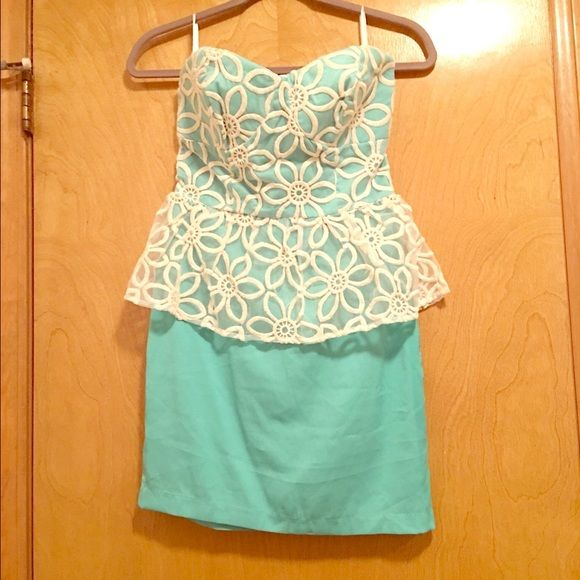 2Bebe Sweetheart Peplum Lace Silk Dress Size S Classy Peplum Style Dress Never Worn-Only Tries On, NWT. Strapless, Sweetheart Neckline, Blue/Green Silk with Flower Cream Lace Overlay. bebe Dresses Strapless