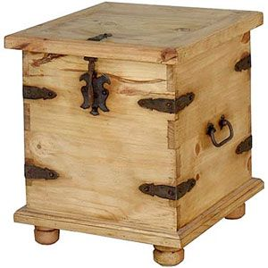 Rustic Pine Collection End Table Trunk Lat106 Rustic Pine Furniture Pine Furniture End Tables